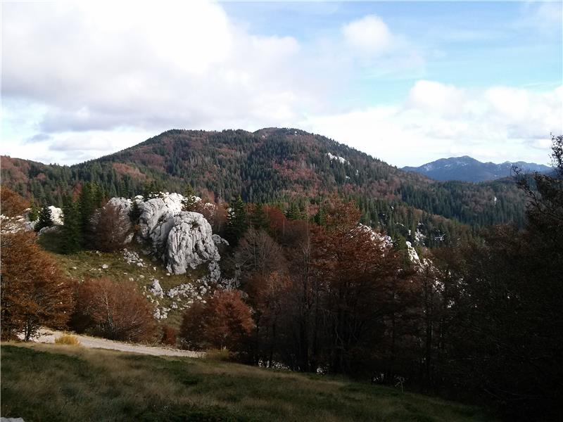 datiranje kamenom planinskom kućom