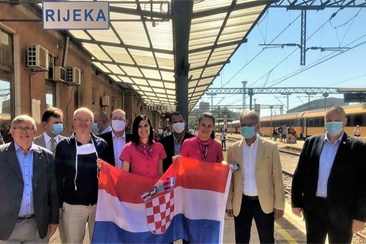 520 Czech, Slovak tourists arrive in Rijeka by train